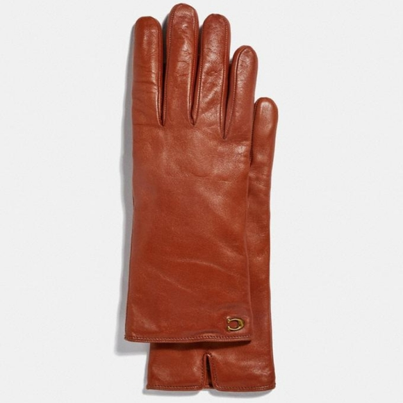 Coach|NWT Sculpted Signature Leather Tech Gloves